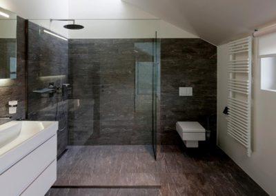 Specchio e box doccia in vetro