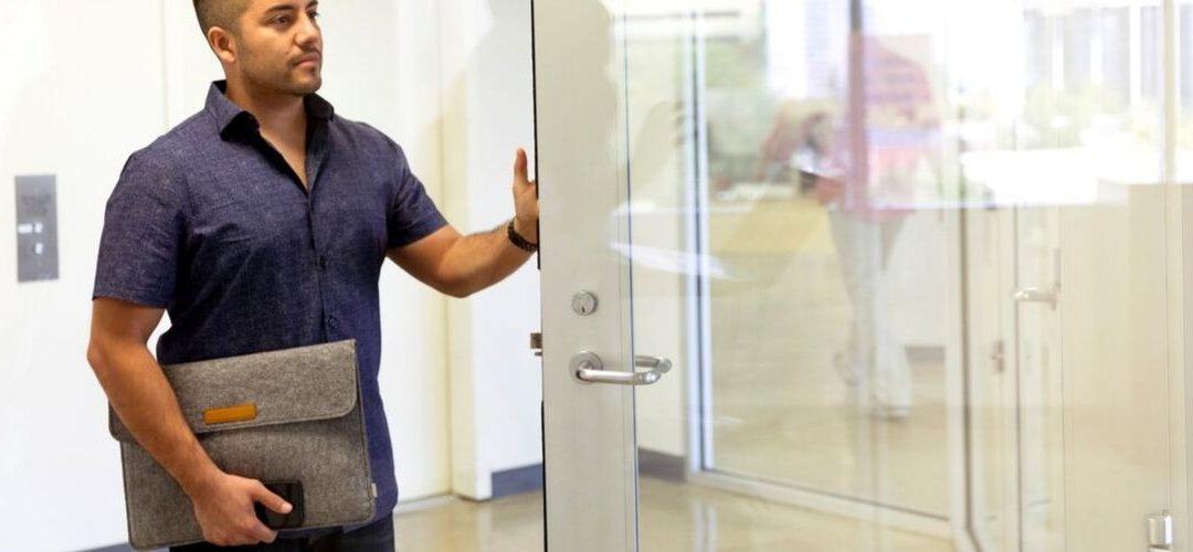 Porte in vetro decorato: un vero e proprio elemento di design